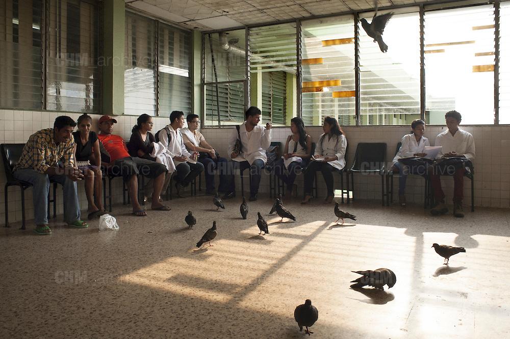 La sala di attesa del reparto di nefrologia dell'ospedale pubblico Heodra di Leon.<br /> <br /> 12 maggio  2016 . Daniele Stefanini /  OneShot