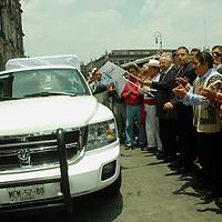 Toluca, Mex.- Humberto Benítez Treviño, Secretario General de Gobierno en el Estado de México, dio inicio al programa de apoyo, a los pueblos indígenas con las caravanas de defensores de oficio, especializados en materia penal. Agencia MVT / José Hernández. (DIGITAL)<br /> <br /> <br /> <br /> NO ARCHIVAR - NO ARCHIVE