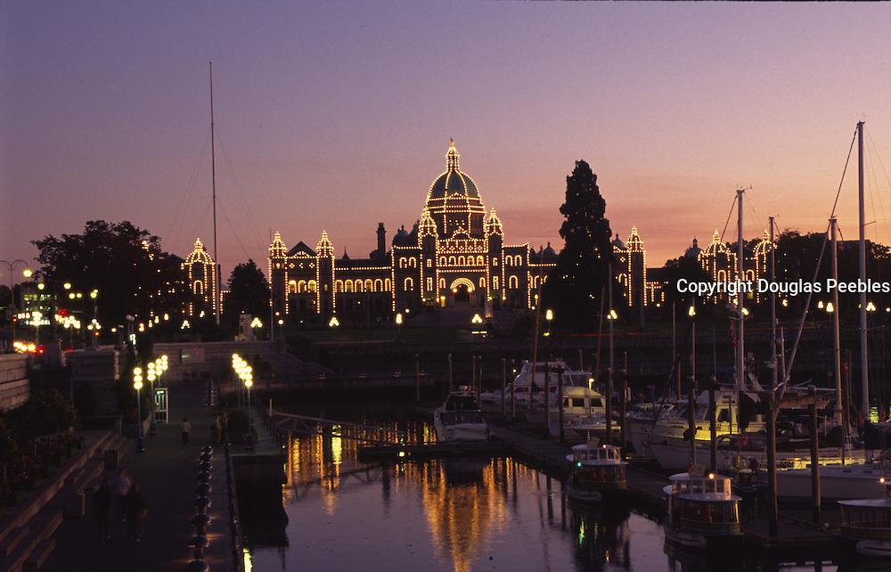 Twilight, Parliment Building, Victoria, B.C., Canada<br />