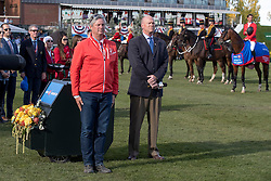 Frank Techar, COO, BMO Financial Group presents the 2016 BMO Nations' Cup to Team Switzerland<br /> Montavon Stephane, SUI with Ian Allison<br /> CSIO 5* Spruce Meadows Masters - Calgary 2016<br /> © Hippo Foto - Dirk Caremans<br /> 11/09/16