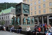 Sjømannsmonumentet, Seaman's Monument, by Dyre Vaa 1950, busy Torgallmenningen street, Bergen, Norway