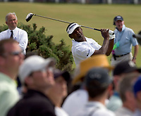 Golf<br /> Foto: SBI/Digitalsport<br /> NORWAY ONLY<br /> <br /> 2005 Open Championship, St. Andrews.<br /> Saturday 16/07/2005<br /> <br /> Vijay Singh drives at 2nd