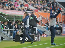31.10.2015, WWK Arena, Augsburg, GER, 1. FBL, FC Augsburg vs 1. FSV Mainz 05, 11. Runde, im Bild Martin Schmidt, Trainer des FSV Mainz 05 kann das Tor zum 0:2 nicht fassen. // during the German Bundesliga 11th round match between FC Augsburg and 1. FSV Mainz 05 at the WWK Arena in Augsburg, Germany on 2015/10/31. EXPA Pictures © 2015, PhotoCredit: EXPA/ Eibner-Pressefoto/ Hiermayer<br /> <br /> *****ATTENTION - OUT of GER*****