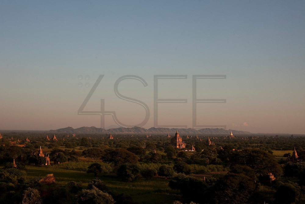 Sunset seen from Shwesadaw temple, in Bagan, Burma<br /> Note: These images are not distributed or sold in Portugal