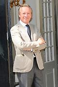 Beatrix opent tentoonstelling Máxima, 10 jaar in Nederland.//<br /> Queen Beatrix opens the exibition Maxima 10 years in the Netherlands<br /> <br /> Op de foto:<br /> <br />  Edouard Vermeulen ( belgische mode ontwerper / belgium fashion designer )