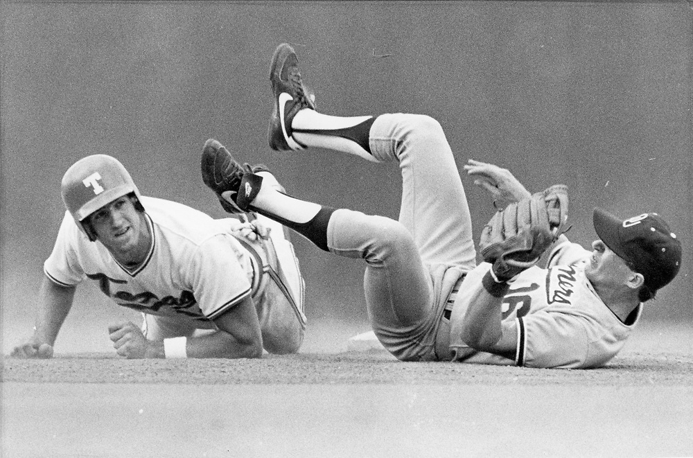 ©1986 College baseball with the University of Texas at Austin vs. collegiate opponents.