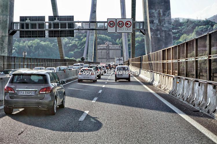 Italie, Italy, Genua ,genova, 5-5-2016De brug over de A10 die vandaag instortte . Ramp, verkeer, collapse,constructie .Foto: Flip Franssen