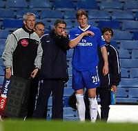 Fotball<br /> 4. runde FA-cup<br /> Chelsea v Birmingham<br /> 30. januar 2005<br /> Foto: Digitalsport<br /> NORWAY ONLY<br /> Jose Mourinho Manager Chelsea Talks with 1st goalscorer Robert Huth