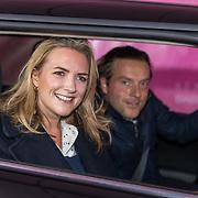 NL/Amsterdam/20201112 - Albumpresentatie Famke Louise bij carwash Loogman, Laurien Verstraten en ........