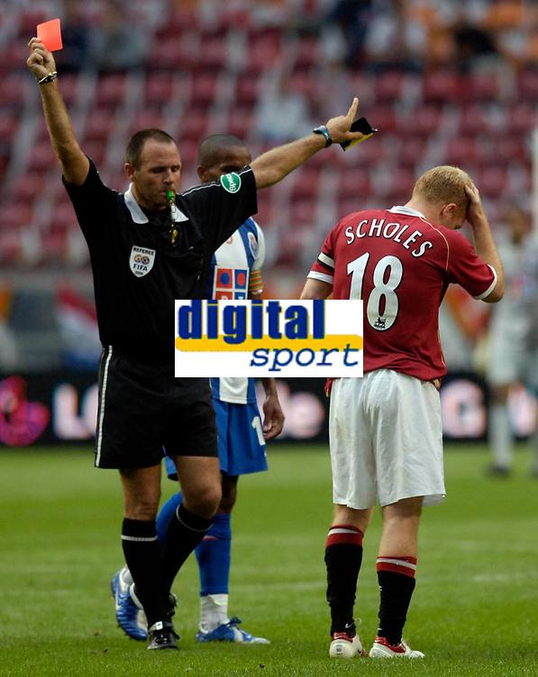 Photo: Daniel Hambury.<br />Manchester United v FC Porto. Amsterdam Tournament. <br />04/08/2006.<br />Manchester's Paul Scholes is sent off.