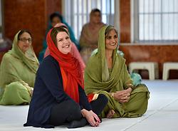 Liberal Democrat leader Jo Swinson visited the Guru Nanak Sikh Temple in Glasgow, where she met worshippers.<br /> <br /> © Dave Johnston / EEm