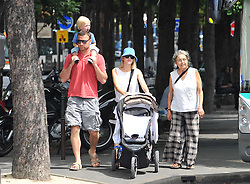 Naomi Watts with her husband Liev Schreiber and their sons Ben and Alexander strolling in Paris, France on July 13, 2009. Photo by ABACAPRESS.COM    195274_059 Paris an France