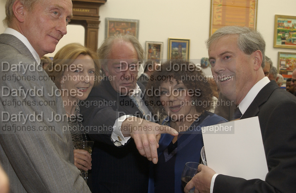 Charles Dance, Michael Gambon. The Queen's celebration of the Arts. Royal Academy. 16 May 2002. © Copyright Photograph by Dafydd Jones 66 Stockwell Park Rd. London SW9 0DA Tel 020 7733 0108 www.dafjones.com