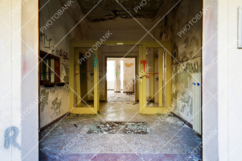 abandoned building, view of the entry