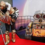 NLD/Amsterdam/20080716 - Premiere Wall-E, robot met Wall-E