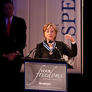 USA/New York/20090911 - Vriendschappelijk bezoek Willem - Alexander en Maxima ivm 400 jarig bestaan van New York, uitreiking Four Freedom Awards 2009, laueraat Four Freedoms award aan mw. Hillary Rodham Clinton