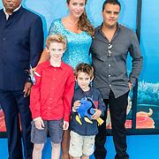 NLD/Amsterdam20160622 - Filmpremiere première van Disney Pixar's Finding Dory, Annick Boer met partner en kinderen oa Joep Kraaykamp