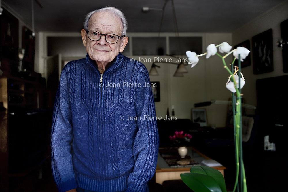 Nederland, Amstelveen , 2 oktober 2014.<br /> Jules Schelvis (Amsterdam, 7 januari 1921) is een Nederlandse kenner van de Jodenvervolging, zelf van Joodse komaf en overlevende van zeven concentratie- en vernietigingskampen.<br /> <br /> Foto:Jean-Pierre Jans