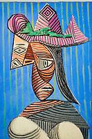 France, Paris (75), Musee Picasso, Buste de femme au chapeau rayé, 1939 // France, Paris, Picasso museum, Bust of woman with a striped hat, 1939