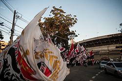 August 3, 2017 - Torcida do São Paulo FC com bandeirões antes da partida entre São Paulo FC x Coritiba , válida pela 18ª rodada do Campeonato Brasileiro 2017, realizada no Estádio Cícero Pompeu de Toledo, o Morumbi em São Paulo, SP. (Credit Image: © MauríCio Rummens/Fotoarena via ZUMA Press)