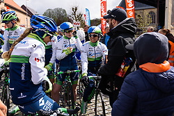 One final chat for Orica-AIS before the start of Dwars door de Westhoek 2016. A 127km road race starting and finishing in Boezinge, Belgium on 24th April 2016.