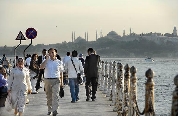 Turkije, Istanbul, 4-6-2011Straatbeeld. Langs de Bosporus aan de aziatische kant.Foto: Flip Franssen
