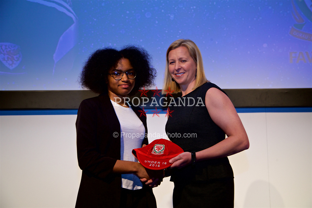 NEWPORT, WALES - Saturday, May 27, 2017: Bailiey Cordice receives her Under-16 Wales cap from Wales women's team manager Jayne Ludlow at the Celtic Manor Resort. (Pic by David Rawcliffe/Propaganda)