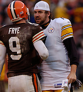 MORNING JOURNAL/DAVID RICHARD.Ben  Roethlisberger chats with Charlie Frye after the game.