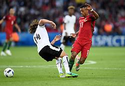 Julian Baumgartlinger of Austria battles for the ball with Nani of Portugal  - Mandatory by-line: Joe Meredith/JMP - 18/06/2016 - FOOTBALL - Parc des Princes - Paris, France - Portugal v Austria - UEFA European Championship Group F