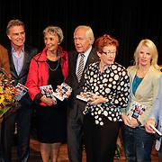 NLD/Hilversum/20121003- Boekpresentatie De Iconen van het NOS Achtuurjournaal, Joop van Zijl, Rob Trip, Eugenie Herlaar, Eef Brouwers, Noortje van Oostveen, Babs Assink , Robert van Schijndel