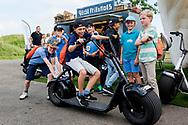 11-09-2016 Foto's van het KLM Open 2016, gehouden op The Dutch in Spijk van 8 t/m 11 september.    <br /> Foto: Kinderen op de BOB Scooter