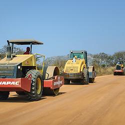 Reconstrução de estradas interurbanas. Estrada Dondo > Waku-Kungo (Julho de 2007)