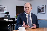 21 NOV 2018, BERLIN/GERMANY:<br /> Olaf Scholz, SPD, Bundesfinanzminister, waehrend einem Interview, in seinem Buero, Bundesministerium der Finanzen<br /> IMAGE: 20181121-01-012<br /> KEYWORDS: Büro