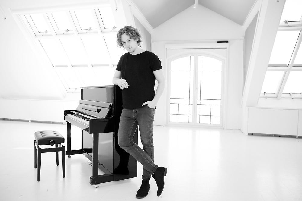 Porträts des Musikers Michael Schulte