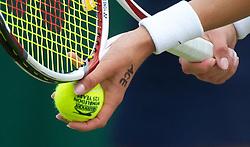 10-10-2011 ALGEMEEN: HANDEN IN DE SPORT: AL OVER THE WORLD<br /> Handshaking, handen, signs, handje klap, begroeting, handshaking, yell, bal, vreugde, hands, celebrate, sport, sports, tennis, item<br /> ©2012-FotoHoogendoorn.nl