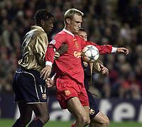 Fotball: Liverpool Sami Hyypia and Barcelona Philippe Christanval.
