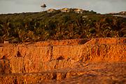 Tibau do Sul_RN, Brasil...Na foto, as falesias do chapadado, acima da Praia do Amor, em Pipa, Rio Grande do Norte...Chapado cliffs above Amor beach in Pipa, Rio Grande do Norte...Foto: LEO DRUMOND / NITRO