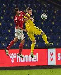 Thomas Delaney (Danmark) og Mattias Johansson (Sverige) under venskabskampen mellem Danmark og Sverige den 11. november 2020 på Brøndby Stadion (Foto: Claus Birch).