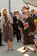 Koninginnedag 2011 in het  Limburgse plaatsjeThorn (witte dorp) // Queen's Day 2011 in the southern of Holland ( Limburg). The Royal family is visiting the small white village Thorn.<br /> <br /> Op de foto / On the photo:  Princes Maxima and Prince Willem Alexander and Queen Beatrix