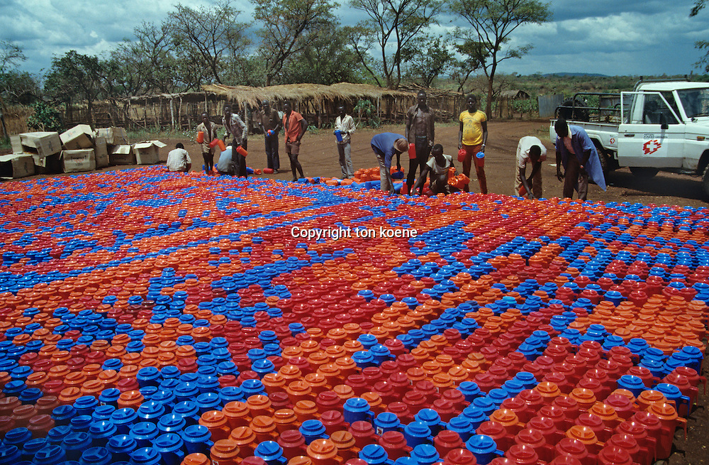 container distribution in a refugeecamp in Uganda