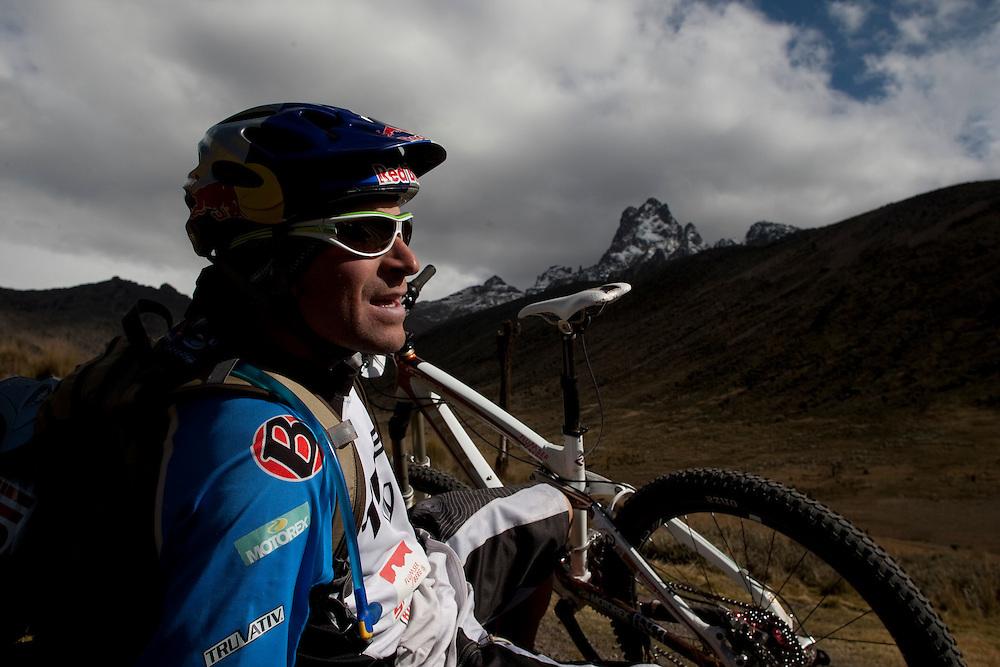 Location: Mont Kenya (Kenya) Urge Kenya 09/ The ultimate Mountain Bike gravity adventure at Mont-Kenya Athlete: Rene Wildhaber on his way to Shipton Camps (altitude 4200 meters) take a rest at 4000 meters