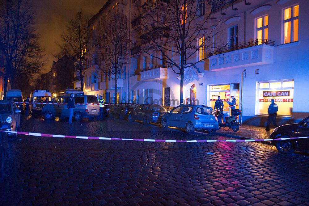 Berlin, Germany - 02.02.2015<br /> <br /> Stabbing in the Hobrechtstrasse in Berlin-Neukoelln. A man was seriously injured in front of a café. The perpetrator or perpetrators are on the run. Police cordoned off the scene and searched the area.<br /> <br /> Messerstecherei in der Hobrechtstrasse in Berlin-Neukoelln. Ein Mann wurde vor einem Café schwer verletzt. Der oder die Taeter sind fluechtig. Die Polizei sperrte den Tatort ab und durchsuchten den Nahbereich.<br /> <br /> Photo: Bjoern Kietzmann