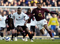 Photo: Olly Greenwood.<br />Arsenal v Charlton Athletic. The Barclays Premiership. 18/03/2006. <br />Charlton's Darren Bent (L) and Arsenal's Thierry Henry battle.