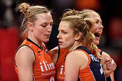09-01-2016 TUR: European Olympic Qualification Tournament Rusland - Nederland, Ankara<br /> De Nederlandse volleybalsters hebben de finale van het olympisch kwalificatietoernooi tegen Rusland verloren. Oranje boog met 3-1 voor de Europees kampioen (25-21, 22-25, 25-19, 25-20) / Judith Pietersen #8, Debby Stam-Pilon #16, Femke Stoltenborg #2
