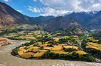 Tadjikistan, Asie centrale, Gorno Badakhshan, Haut Badakhshan, le Pamir, vallée de la rivière Panj qui sépare le Tadjikistan et l'Afghanistan, village afghan // Tajikistan, Central Asia, Gorno Badakhshan, the Pamir, Panj valley, Panj river between Tajikistan and Afghanistan, afghan village