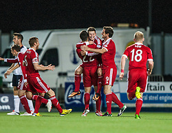 Aberdeen's Smith celebrates with team mates after scoring their second goal. Falkirk 0 v 5 Aberdeen, the third round of the Scottish League Cup.<br /> ©Michael Schofield.