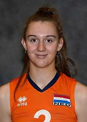 24-12-2019 NED: Photoshoot selection of Orange Youth Girls, Arnhem<br /> Orange Youth Girls 2019 - 2020 / Noa de Vos #3