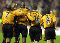 Fotball - Engelsk FA-cup - Tredje runde - 05.01.2003<br /> Wolverhampton v Newcastle 3-2<br /> Paul Ince gratulerer George Ndah med vinnermålet<br /> Foto: Richard Lane, Digitalsport