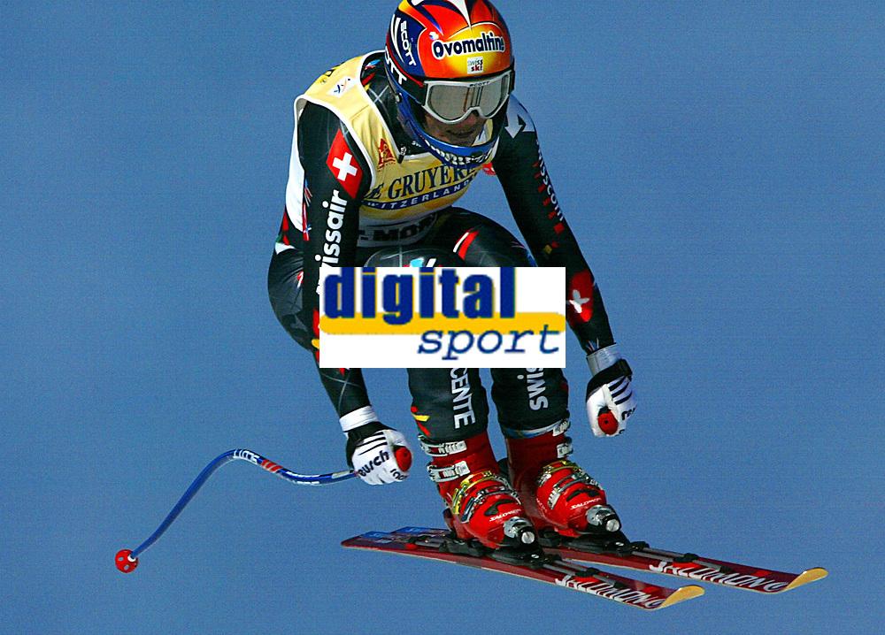 Alpint: Verdenscup WC. 21.12.2001 St.Moritz, Schweiz,<br />Die Schweizerin Sylviane Berthod am Freitag (21.12.2001) bei der Ski Alpin Weltcup Abfahrt der Damen im schweizerischen St.Moritz. <br /><br />Foto: Digitalsport