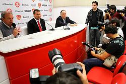 Apresentação do novo técnico do Internacional, Celso Roth. FOTO: Jefferson Bernardes/Preview.com